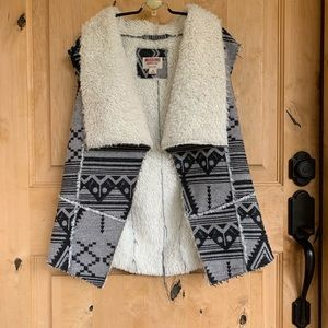 Mossimo Fleece Lined Navajo Pattern Vest - Medium